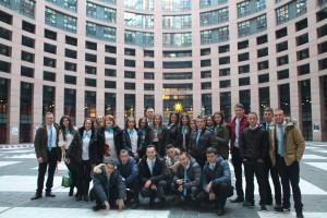 Достойни-евродепутати-от-Иновативна-професионална-гимназия-по-икономика-и-мениджмънт-гр.Пазарджик-2